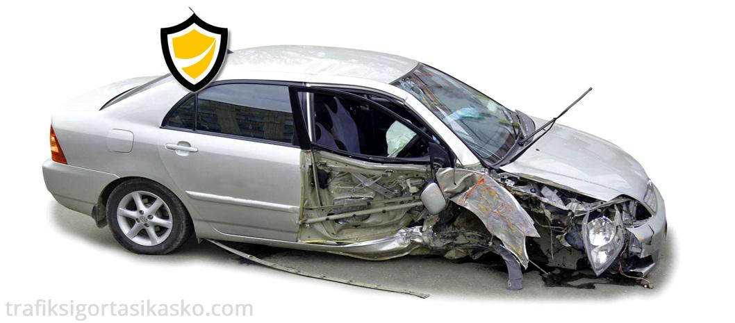 kaza yapan araç, kazalı araç, araç kazası,
