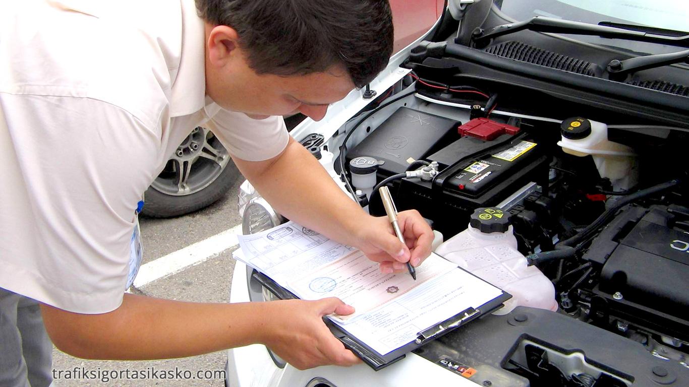 kasko motor arızası, motor arızasında kasko, kasko motor arızasında ne yapar, motoru inceleyen kasko görevlisi, kasko görevlisi, kasko ekspertizi, motor arızası inceleyen kasko ekspertizi,